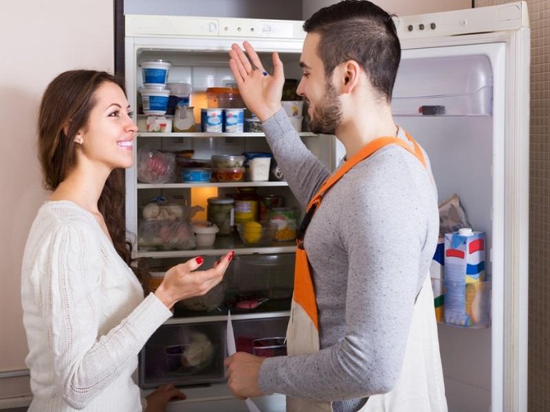 Dịch vụ vệ sinh tủ lạnh chuyên nghiệp tại Tân Bình